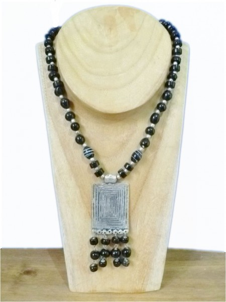 Chunky Black & Silver Beaded Necklace